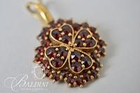 14K 4-Leaf Clover Pendant with Garnets - 4.27 Grams