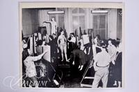 Photograph of 1940 Figure Drawing Class