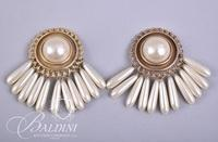 (4) Pair Costume Pearl and Gold Non Pierced Earrings