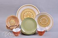 Vintage Kitchenware Including Jello Mold, Platter, Finger Bowls and Melmac