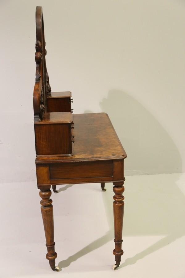 Baldini auction auction antique furniture valued for Fancy vanity mirror