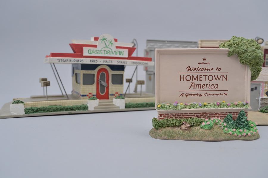 Hallmark Ornament Pop-Up Auction