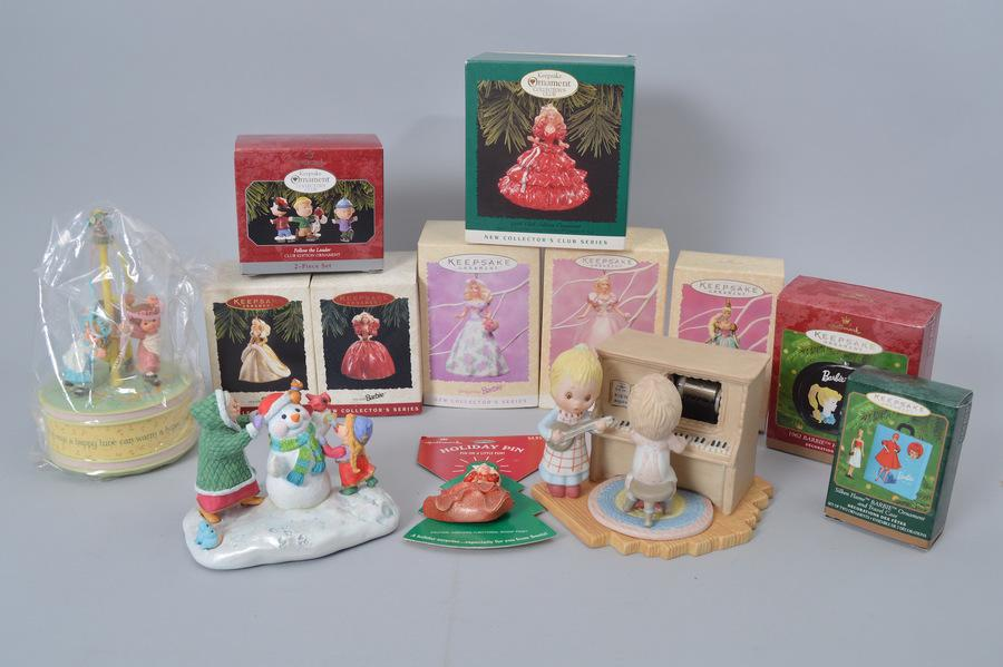 Hallmark Ornament Pop-Up Auction